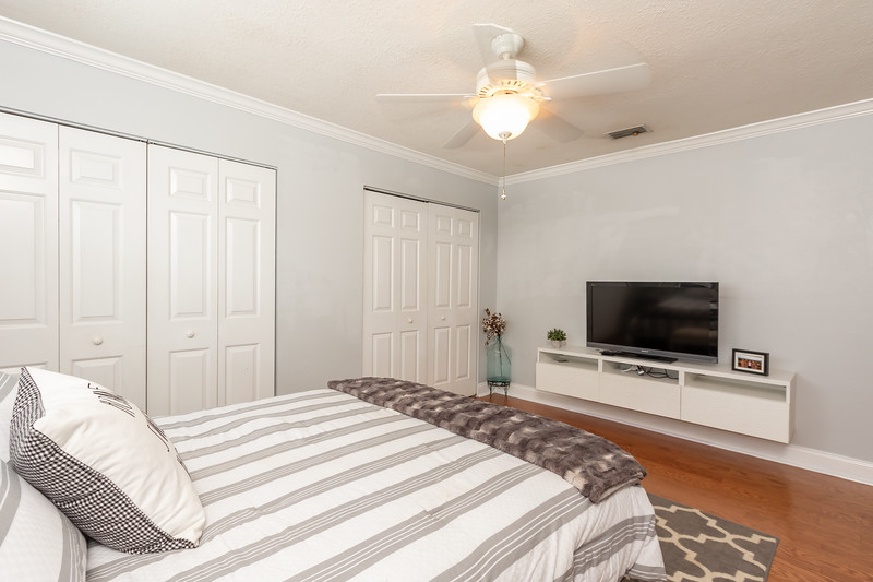 3232 Young St 26.jpg