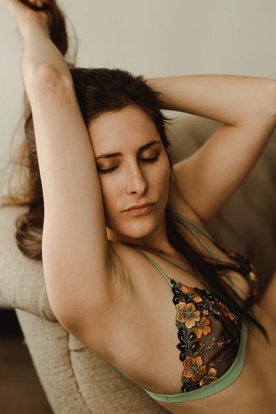 Emmy_boudoir_Jenny_Rolapp_Photography-28.jpg