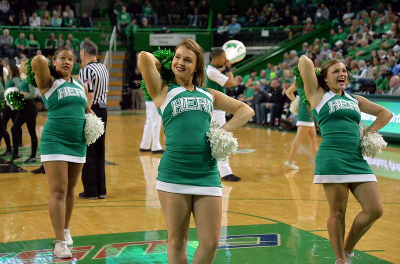 cheerleaders4794.jpg