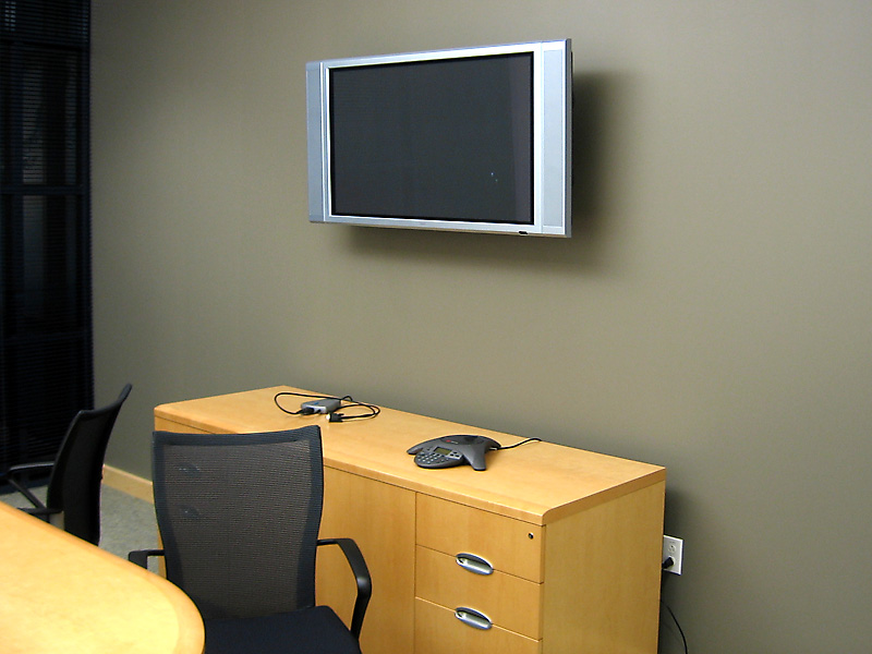 This small meeting room uses the plasma for laptop inputs only.