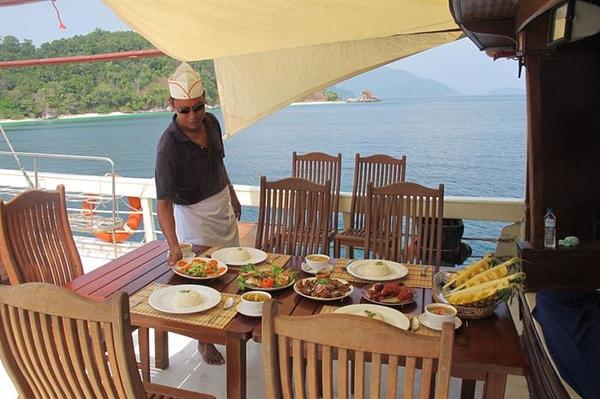 Meals Aboard.jpg