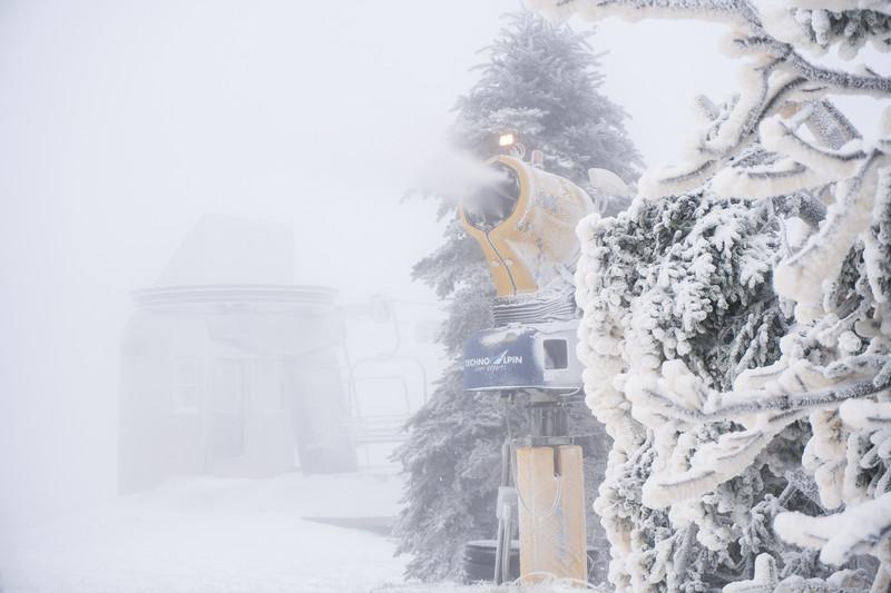 Snowmaking-03426.jpg
