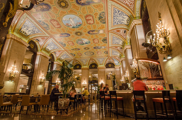 Inside the lobby of the Palmer House Hilton Hotel | 7 Best Views in Chicago
