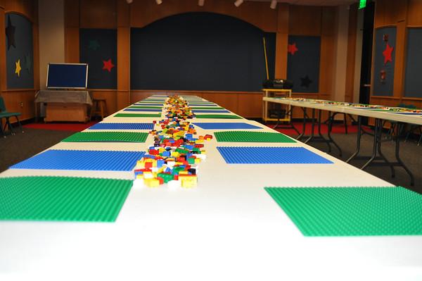 Lego Monster Lab 2011