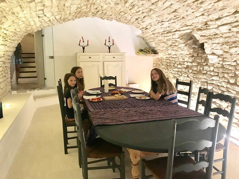 Girls in Dining Room in Goult