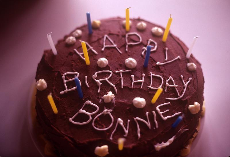 1981-01 Bonnie's 11th Birthday Cake.jpg