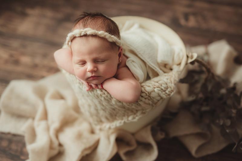 Ania nou nascut_Catalina Andrei Photography-39.jpg