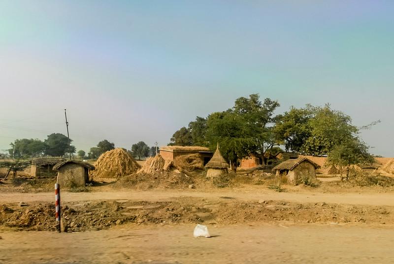 Roads_in_India_1206_043.jpg