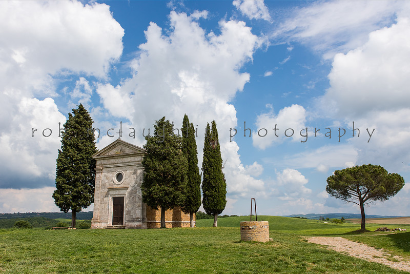 Chapel  and Well , San Quirico D'Orcia , Tuscany