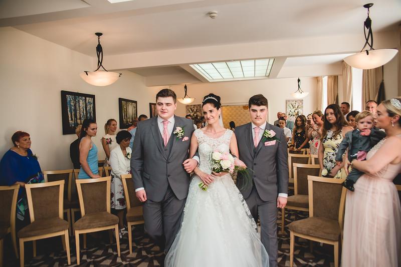 Mr & Mrs Hedges-Gale-43.jpg
