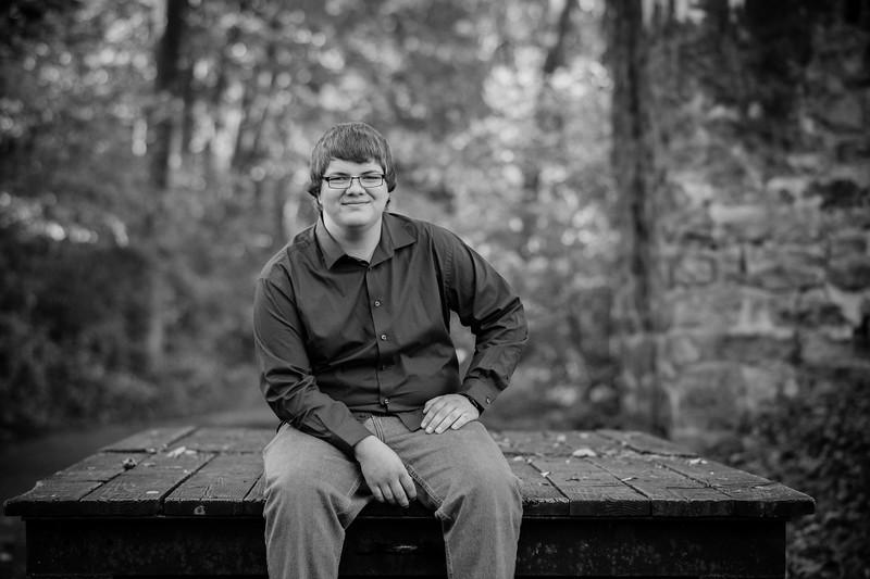 Jonathan Krause_Senior 2018_Emilee Chambers Photography (20).jpg