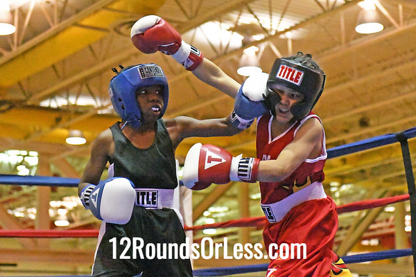Bout #10: Tywon Smith, Blue Gloves, Akron -vs- Allandi Gilbert, Red Gloves, E. Cleveland, 55 Lbs.