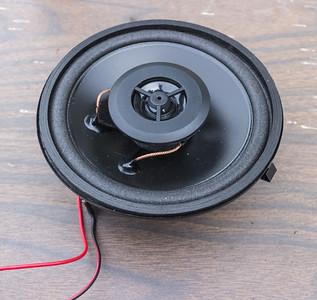 w124 speaker