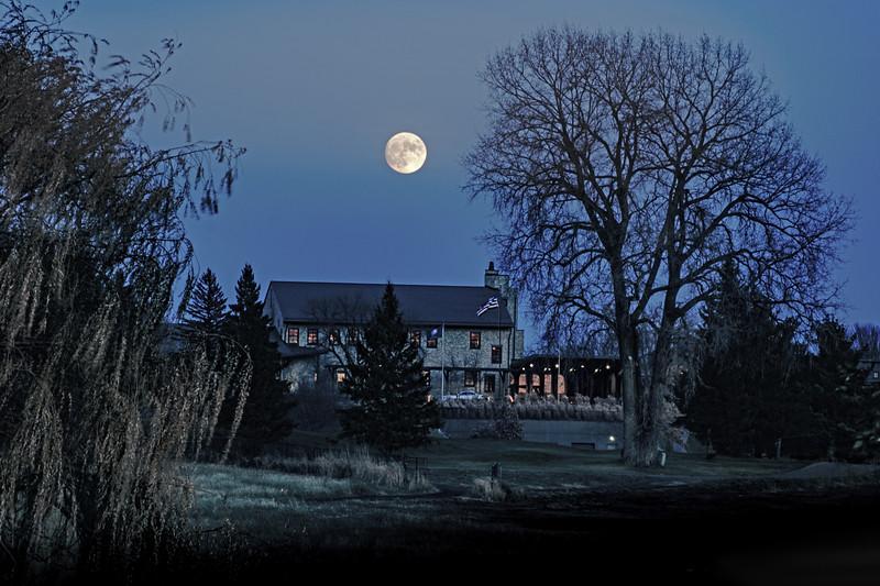 Hazeltine moon NW v-1.jpg