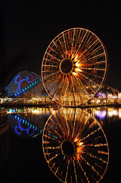 Disney by night (64996487).jpg