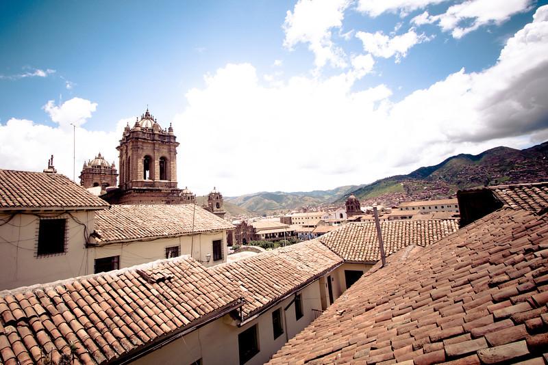 cusco rooftops horiz