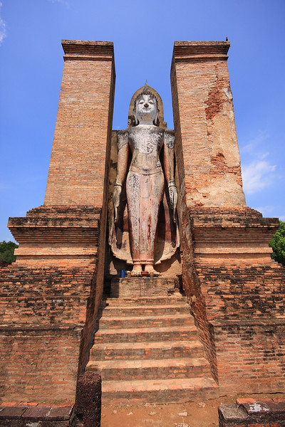 The second of two Phra Attharot Buddhas