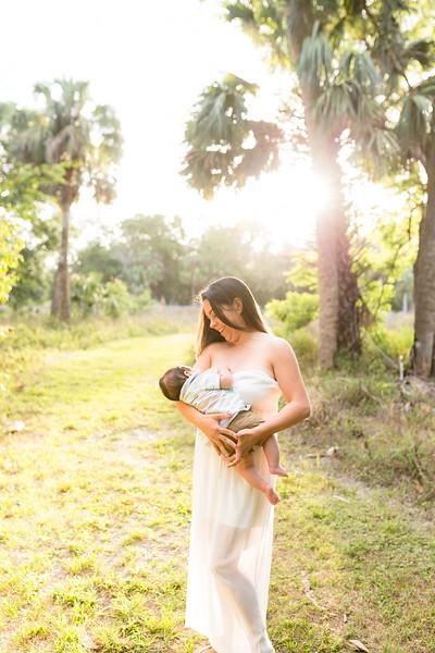 Motherhood Session-105.jpg