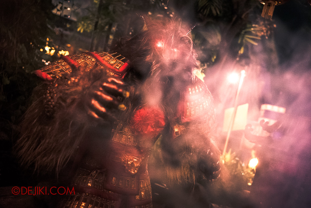 Halloween Horror Nights 7 - Happy Horror Days scare zone / Chinese New Year Nian beast