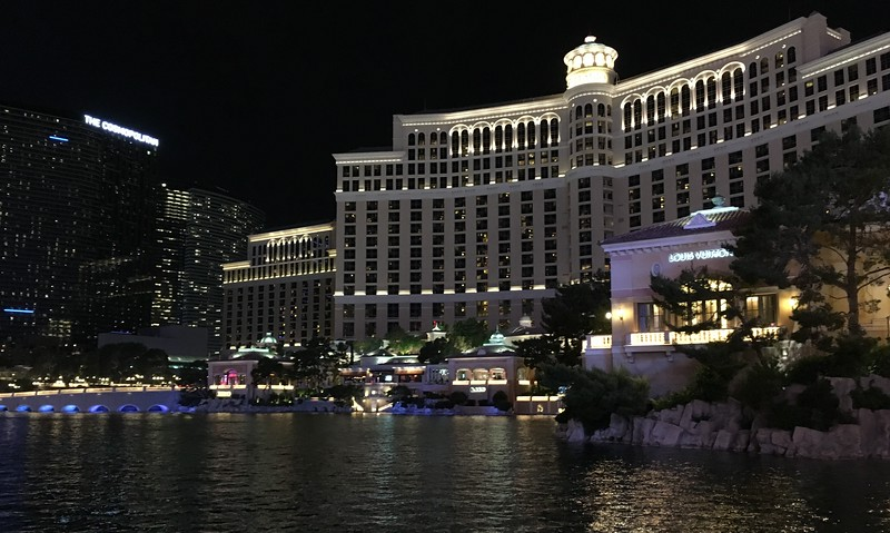 Waiting for the fountains show at Bellagio