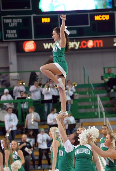 cheerleaders1082.jpg