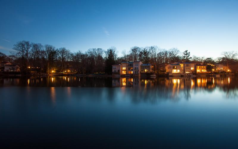 20160309 041 Lake Anne at night.jpg
