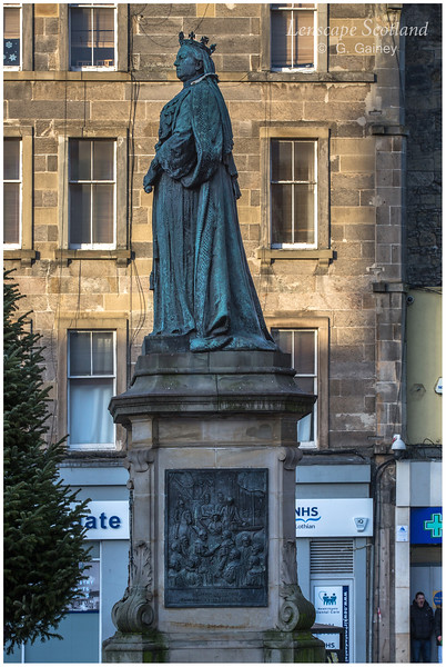 Queen Victoria statue, foot of Leith Walk