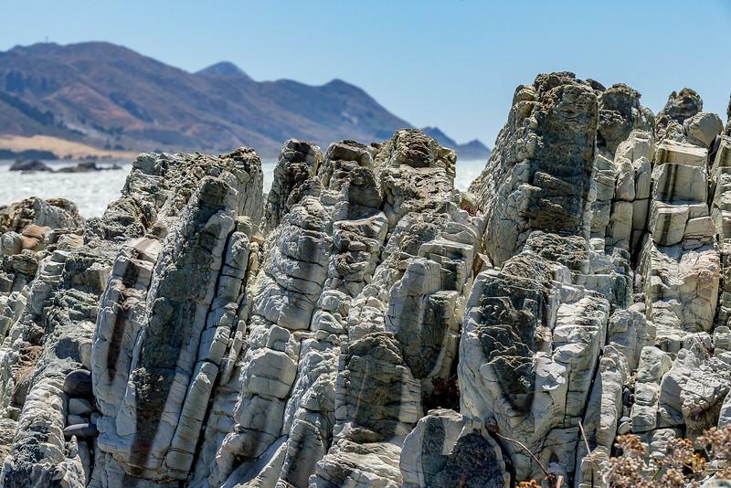 Steinstruktur an der Küste bei Ward