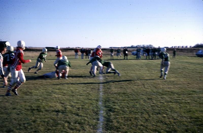 ARS070.  High School – Arthur football - 1964‡.jpg