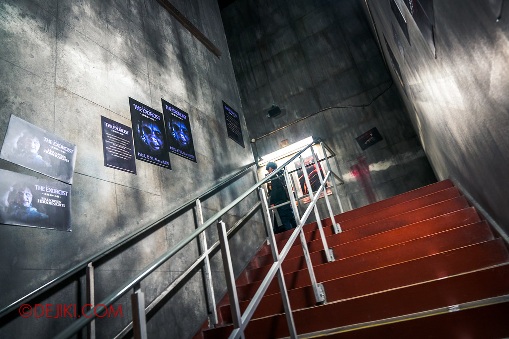 Universal Studios Japan - Halloween Horror Nights / Interior Queue for The Exorcist and A Nightmare on Elm Street