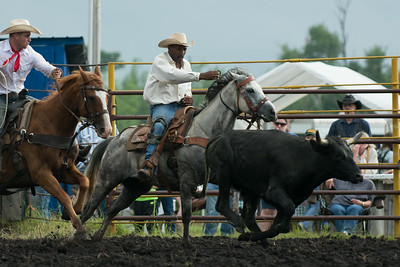 Steer Wrestling Friday 2014