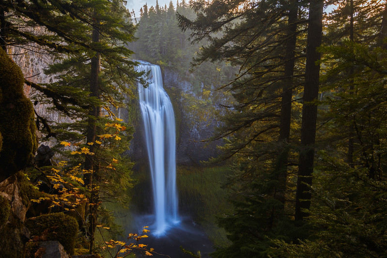 Salt Creek Falls Fall Season.jpg