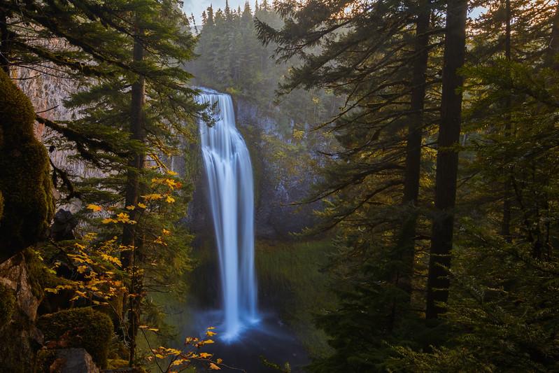 Salt Creek Falls Fall Season.jpg