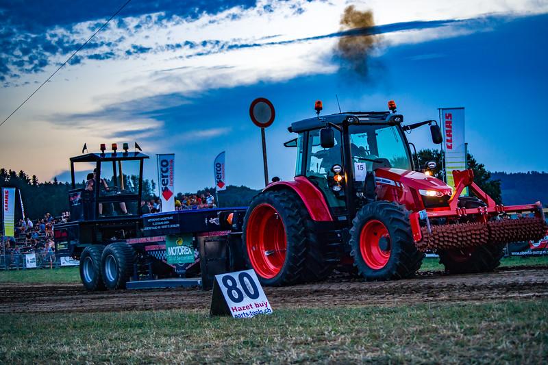 Tractor Pulling 2015-01722.jpg