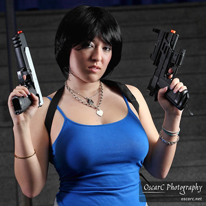 Jill Valentine (Reiko) and Claire Redfield (Naxul) from Resident Evil