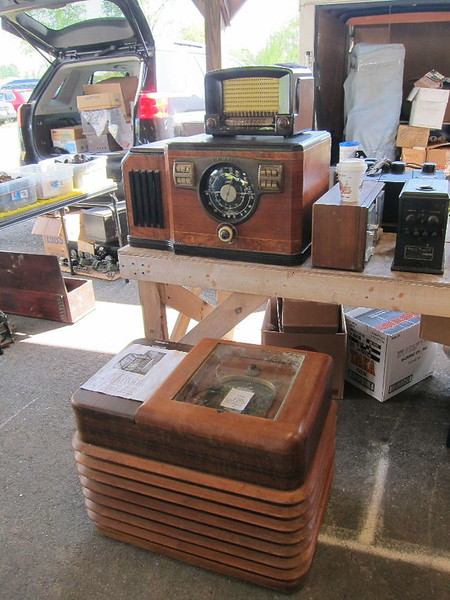 Unusual Zenith chairside, needs work, $400-