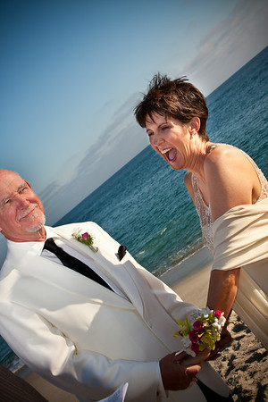Elizabeth & David :: Beach Wedding :: 08.12.09