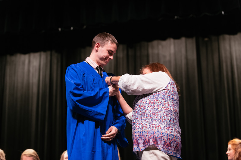 20190510_Nurse Pinning Ceremony-9958.jpg