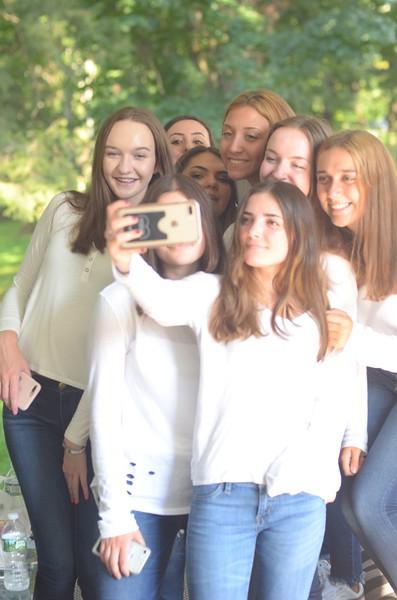 Julia Friend Group Pics - 263 of 308.jpg