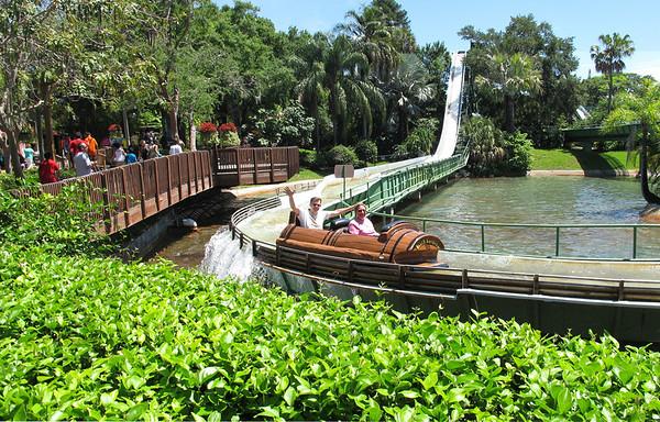 2014-05-17 Busch Gardens with Luangel and Brant