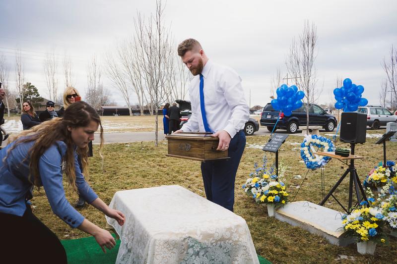 baby dew funeral-18.jpg