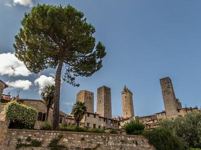 San Gimignano & Volterra