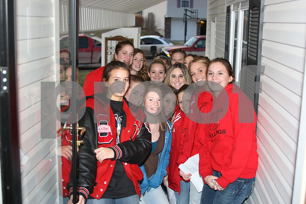 Odessa Lady Bulldogs Singing Christmas Songs to ME AND MY FAMILY! 12-21-07