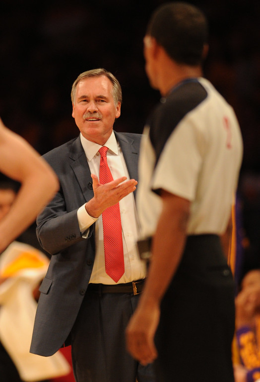 . Lakers Heads Coach Mike D\'Antoni argues with an official in the first half. The Los Angeles Lakers played the Los Angeles Clippers in the opening game of the season at Staples Center. Los Angeles, CA. 10/29/2013. photo by (John McCoy/Los Angeles Daily News)