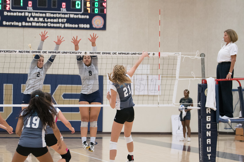 HPU Volleyball-91925.jpg