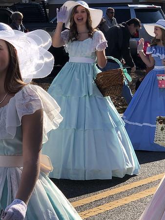 Xmas Parade as Belle