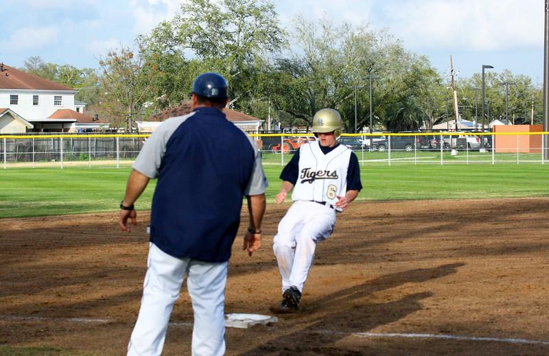 \\hcadmin\d$\Faculty\Home\slyons\HC Photo Folders\HC Baseball vs SCC_1st Home Game_2_12\6W2Y8992.JPG