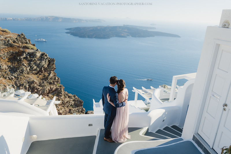 Santorini-post-wedding-photo-shoot-honeymoon-sessio-couples-session--11.jpg