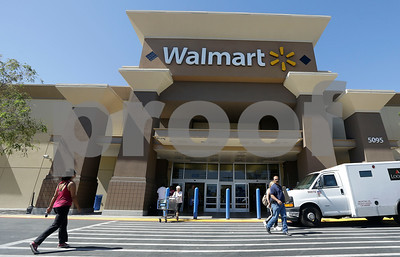 walmart-to-give-nearly-40-pct-of-workers-pay-raises