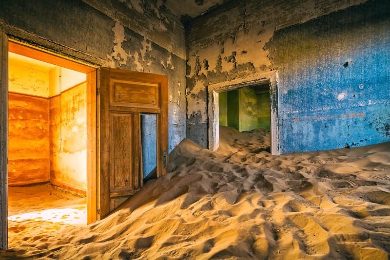 Colours & Sand in Kolmanskop